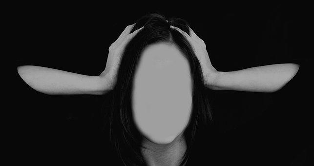 woman-2696386__340